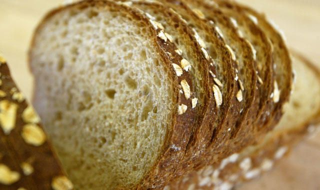 Here's Why Bread Is Packaged With Different Colored Ties