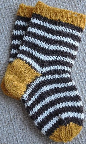knitted baby socks |  Ravelry