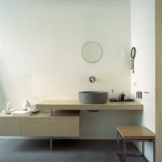Wohnideen Bad minimalistisch weiß Spiegel