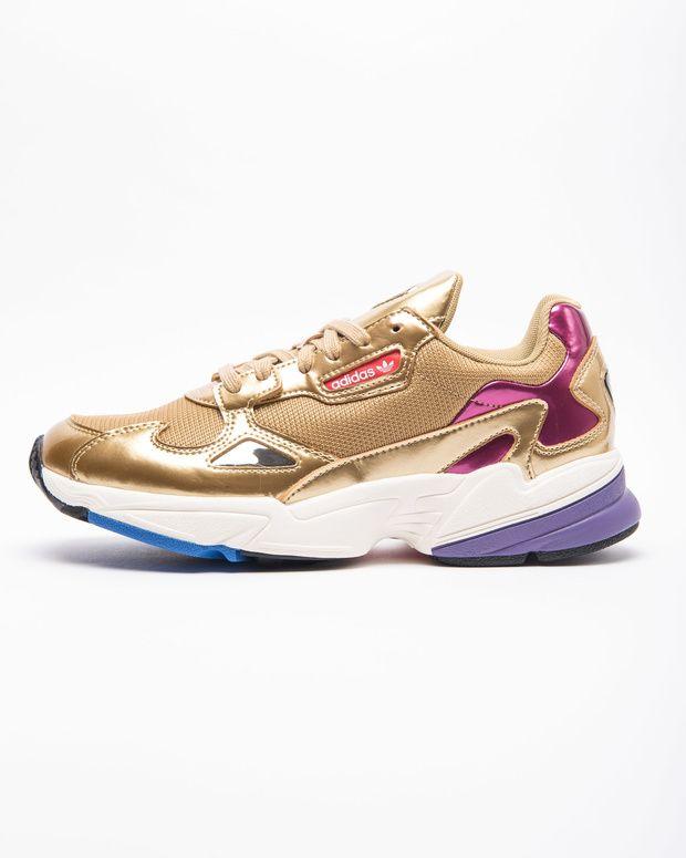 Electrizar insecto Apéndice  Estas son las 5 zapatillas deportivas más vendidas (y más de moda) en la  zapatería con más rollo de Madrid | Zapatos verano, Zapatillas deportivas,  Comprar nike