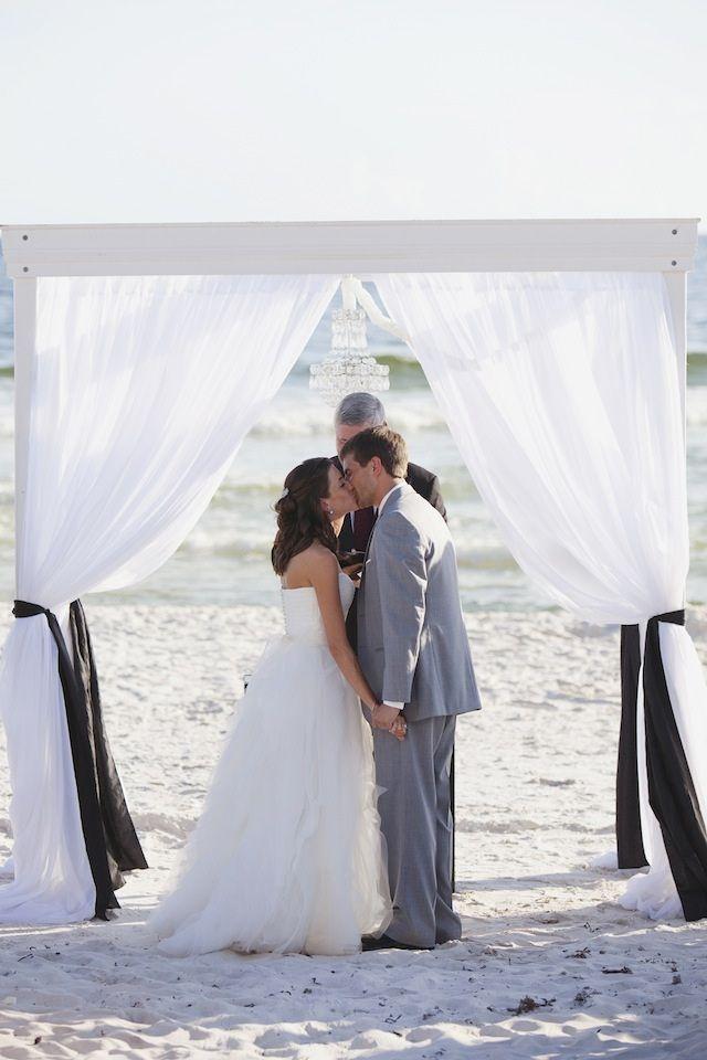 modern beach wedding ceremony by Christina Gillon Events photo by leslie-hollingsworth.com