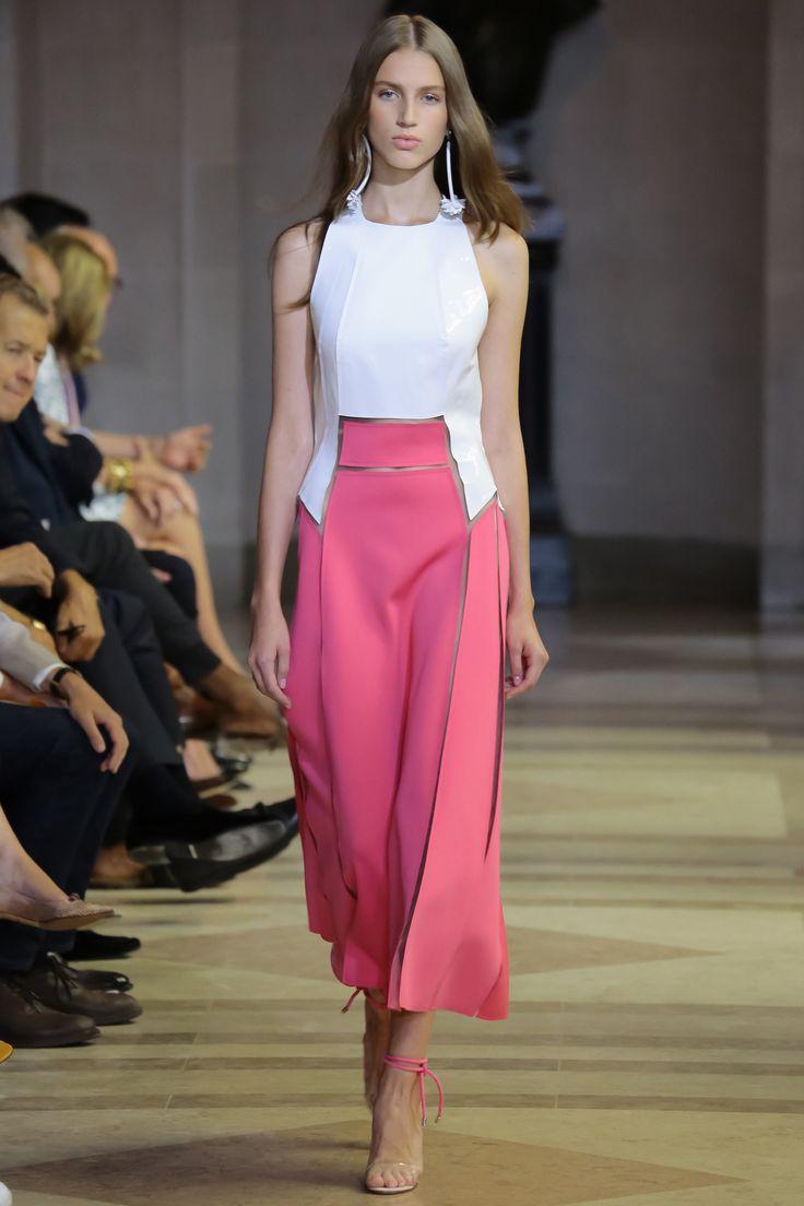 Carolina Herrera Spring 2016 Ready-to-Wear Collection Photos - Vogue http://www.vogue.com/fashion-shows/spring-2016-ready-to-wear/carolina-herrera/slideshow/collection#22