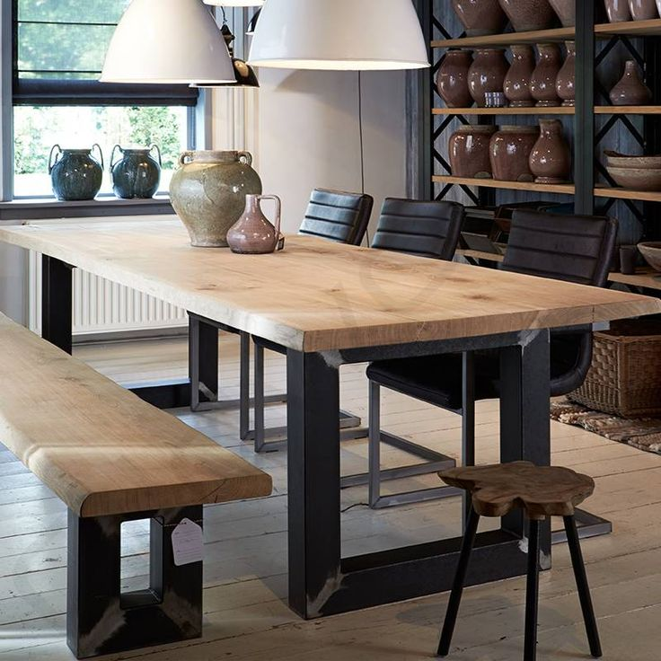 Tafel Robuuste tafels - Boomstamtafel met industrieel onderstel