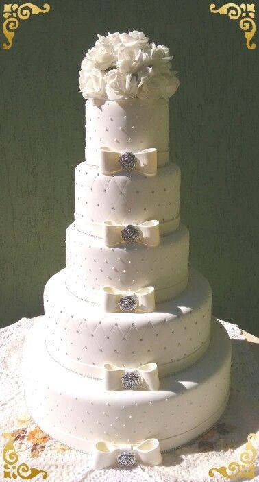 Bolo fake casamento feito em biscuit ....