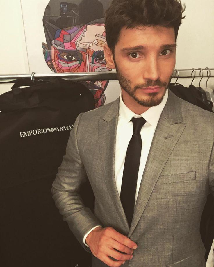 """STEFANO DE MARTINO su Instagram: """"•Capitano a lavoro!• @pequenosgigantesitalia tnks to @Armani"""""""