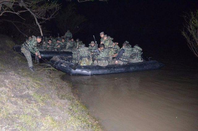 Exército em treinamento