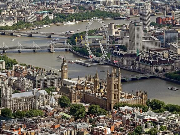 Check out The London Helicopter on VisitBritain's LoveWall!