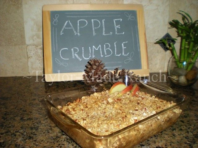 My apple crumble dessert is quick & healthy, using home-canned apples! #TaylorMadeRanch