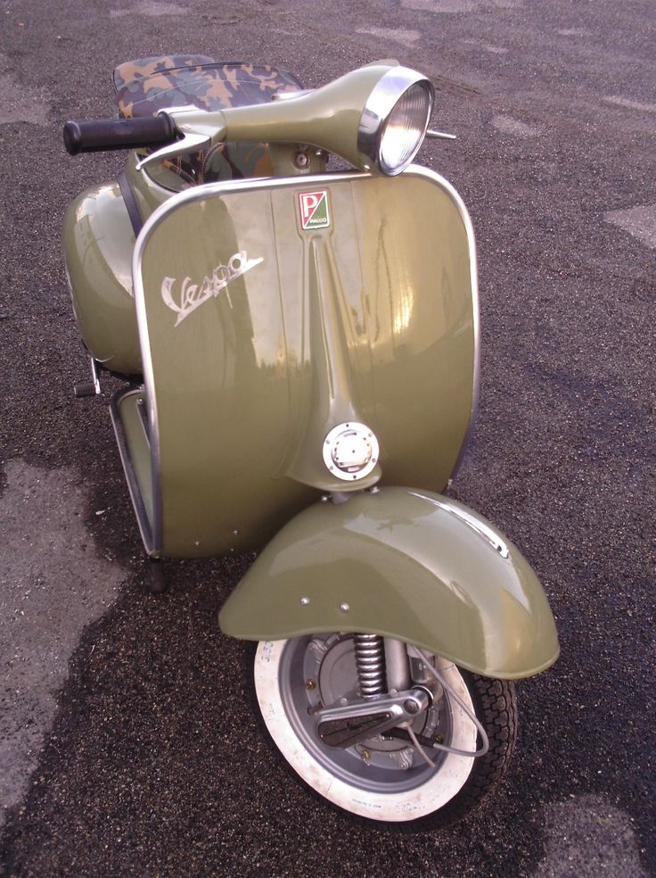Vespa ✏✏✏✏✏✏✏✏✏✏✏✏✏✏✏✏ IDEE CADEAU ☞ http://gabyfeeriefr.tumblr.com/archive ..................................................... CUTE GIFT IDEA ☞ frenchvintagejewelryen.tumblr.com ✏✏✏✏✏✏✏✏✏✏✏✏✏✏✏✏