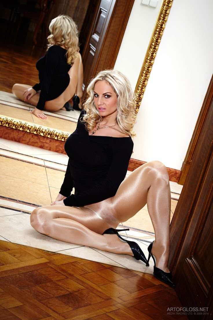 Shiny pantyhose pictures