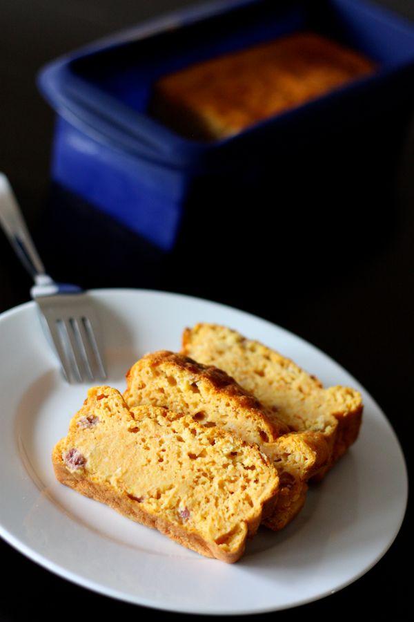 Pas d'huile, pas de beurre, et pourtant... ce cake salé est délicieux !