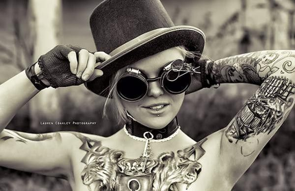 Steampunk Tattoo Steampunk Girl Zylinder Brust Ellbogen