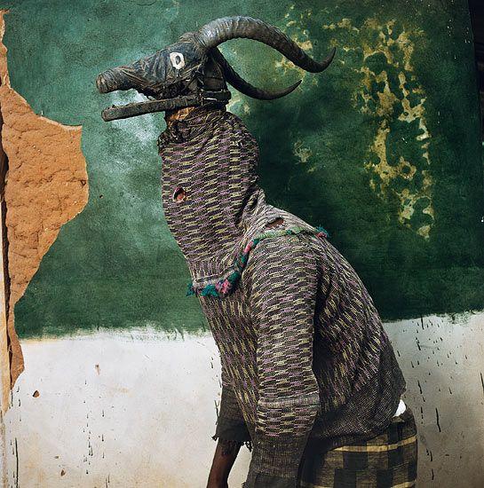 Phyllis Galembo Maske | Fotogalerie - Fotogalerie: Afrikanische Masken - Reise-Fotogalerien ...