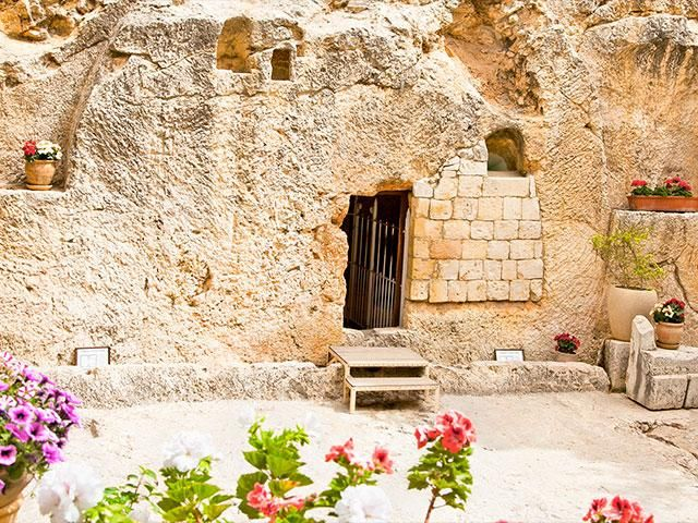 He Is Risen Watch Garden Tomb Easter Sunrise Service From