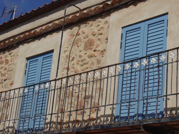 Anusa | Proyectos | Ventanas Mallorquinas en Balconada rústica