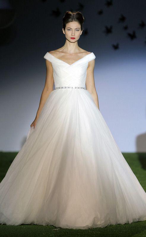 Miquel Suay wedding dress