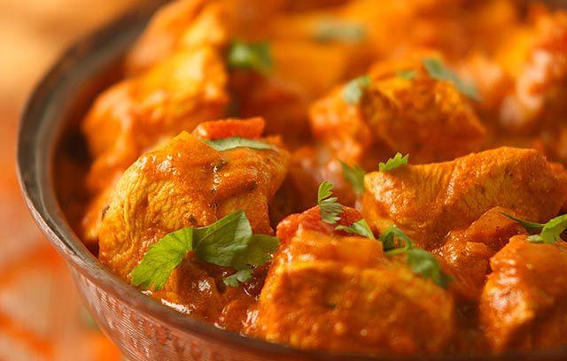 Garlic Chicken - 3Tbsp Pataks paste = 6 syns so 1.5 each serving