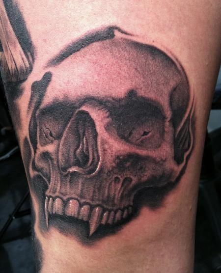 vampire skull tattoos tattoos pinterest more tattoo and vampire tattoo ideas. Black Bedroom Furniture Sets. Home Design Ideas