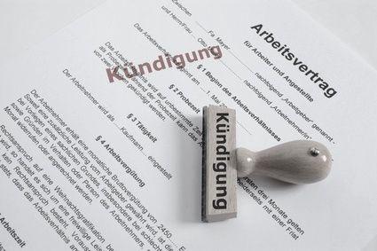 Arbeitslosigkeit nach Entsendung Arbeitnehmer, die im Rahmen eines deutschen Beschäftigungsverhältnisses von ihrem Unternehmen für eine Tätigkeit von begrenzter Dauer ins Ausland entsandt werden, unterliegen in der Regel weiterhin den Vorschriften der deutschen Versicherungspflicht. Wird der Arbeitnehmer nach Ende der Entsendung und Rückkehr nach Deutschland arbeitslos, so kann er regulär Arbeitslosengeld I beziehen.