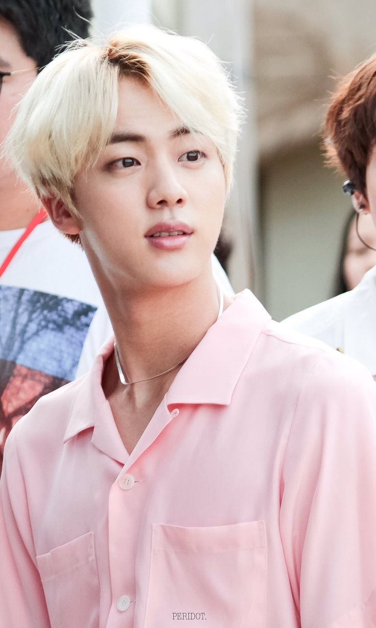 So how does this work, I feel like blonde is his best look but I also feel like black is his best look, mr worldwide handsome only