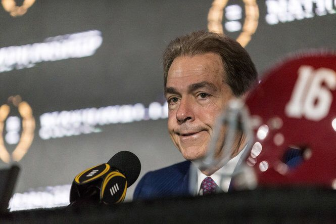 38 writers predict close Alabama-Clemson title game