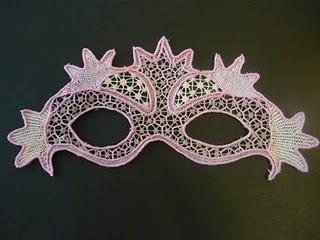 Maschera fatta con la tecnica del merletto di Burano