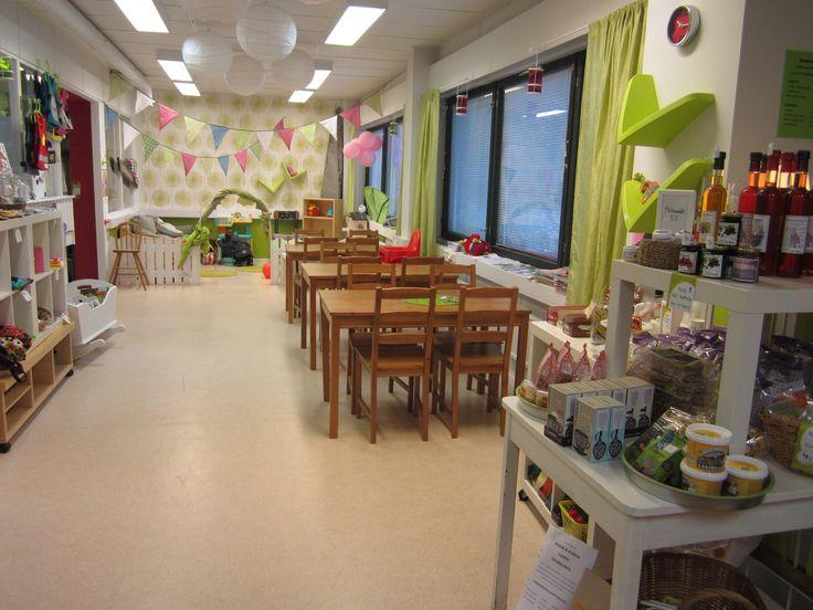 Kahviossa voi järjestää lastenkutsut ja babyshowerit tai tilan voi vuokrata omiin perhejuhliin.