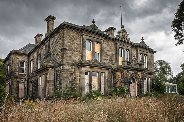 1000 images about abandoned mansions on pinterest abandoned abandoned mansions and mansions - The beauty of an abandoned house the art behind the crisis ...