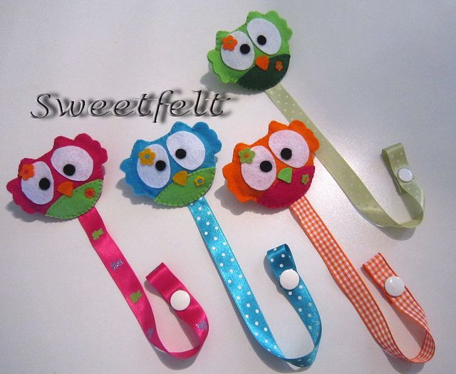 prendedor de chupeta/ attache-tétines / dummy/pacifier holders