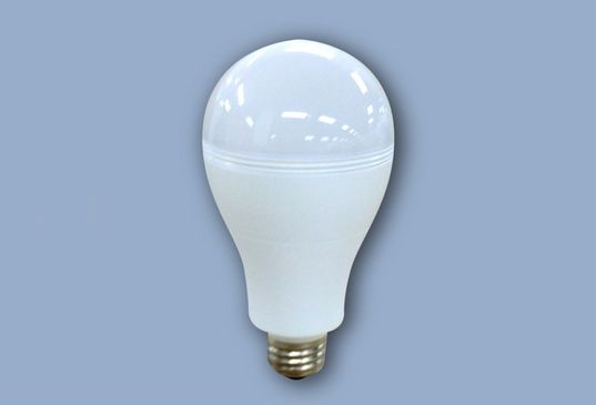 This clever new SmartCharge LED bulb works even when the power goes out!