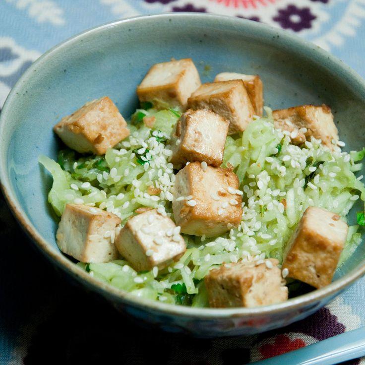 Découvrez la recette Tofu grillé au concombre sur cuisineactuelle.fr.