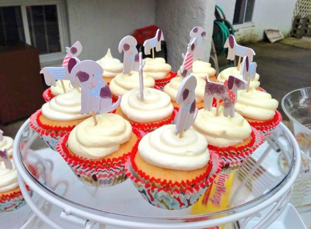 10 best puppy party images on Pinterest Themed cupcakes Puppy