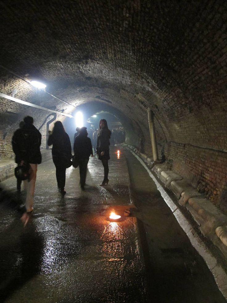 La riscoperta del corso sotterraneo = Accessi nel centro storico realizzati nell'anno 2000 - PROGETTO E DIREZIONE DEI LAVORI arch. Francisco Giordano