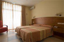 Habitación Estándar del Hotel Tres Anclas de la Playa de Gandia.