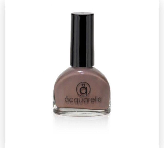 Acquarella nail polish - sleek
