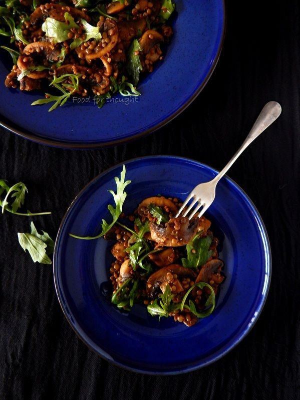 Food for thought: Φακές σαλάτα με μανιτάρια πορτομπέλο και ρόκα