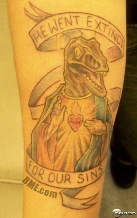 Confira algumas das mais bizarras tatuagens feitas em 'homenagem' a ...