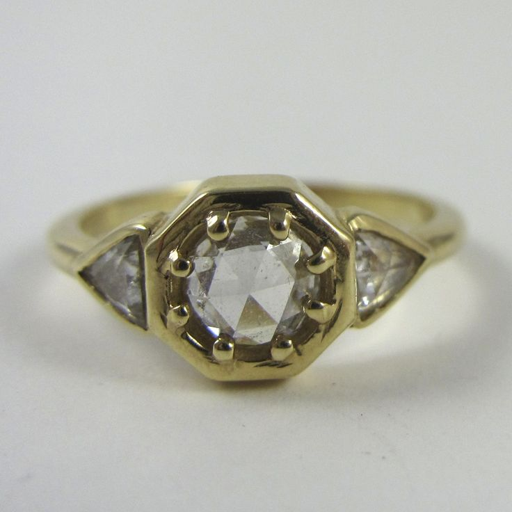 Stunning This is truly a ring fit for the Egyptian queen herself The delicate bezel setting