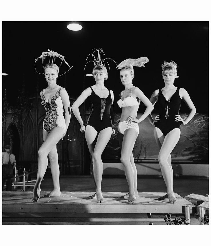 modelle-svedesi-a-una-sfilata-di-costumi-da-bagno-nel-1965-photo-by-terry-disneyexpressgetty-images.jpg 1,000×1,165 pixels
