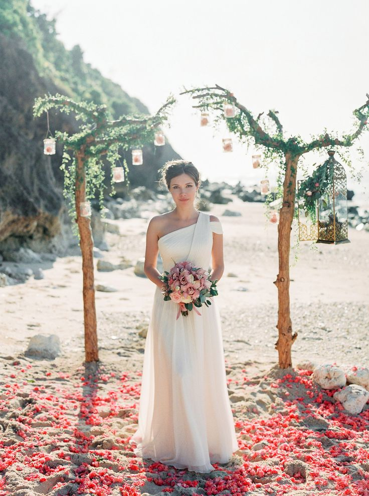 beach wedding in new jersey%0A Today u    s Forecast  Heavy Flower Petal Showers On The Beaches Of Bali