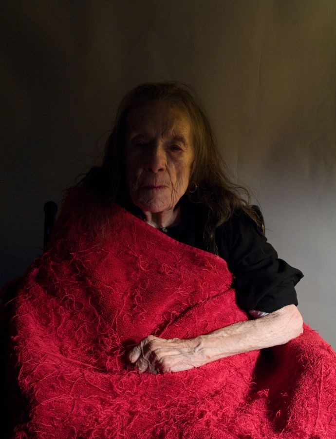 Alex Van Gelder's portraits of Louise Bourgeois in the final years of her life show a theatrical spirit defying a fading body.
