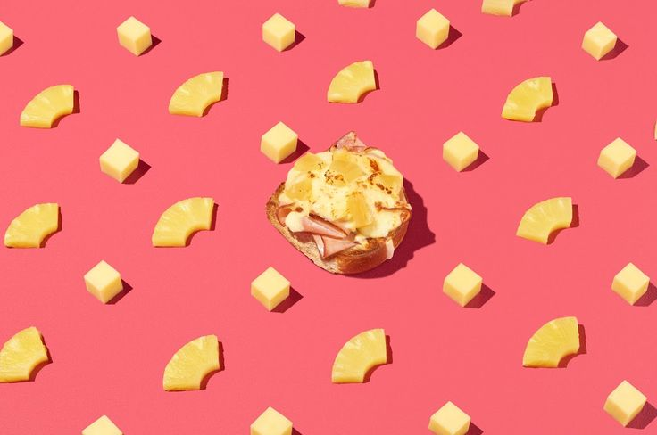 Top your hot cross bun this Easter with your favourite pizza topping - The Hawaiian. Ham, melted cheese and pineapple make the perfect hot cross bun accompaniment!