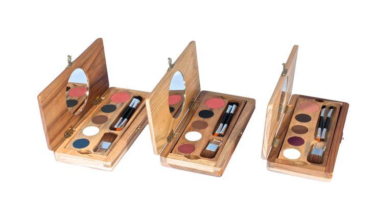 Paleta de Auto Maquillaje, ideal para ejecutivas tiene todo lo que necesitas en una sola paleta, Pregúntala en nuestros puntos de venta. Referencia PAM 13