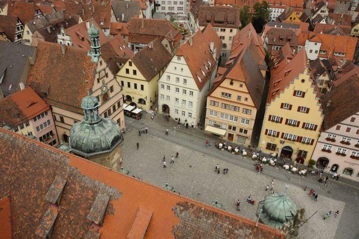 Η πόλη έχει μείνει ανέπαφη και ο χρόνος μοιάζει να έχει σταματήσει στον Μεσαίωνα.