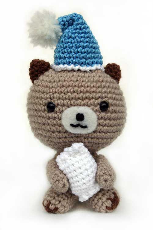 Cute Sleepy Bear Amigurumi - FREE Crochet Pattern and Tutorial (use Google Translate)