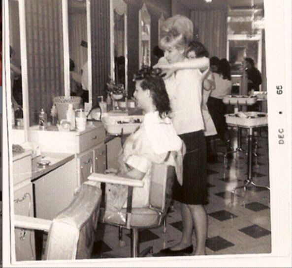 Setting Hair Vintage SalonsVintage