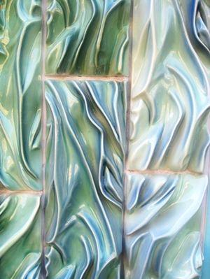Porselein, een huid van steen: Babs Haenen en de Stadsschouwburg Haarlem   Kunst Wetenschap Politiek