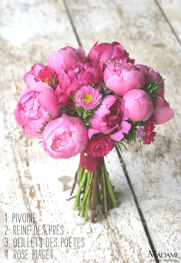 bouquet-la-mariee-aux-pieds-nus-pivoines-roses-oeillets-reine-des-pres