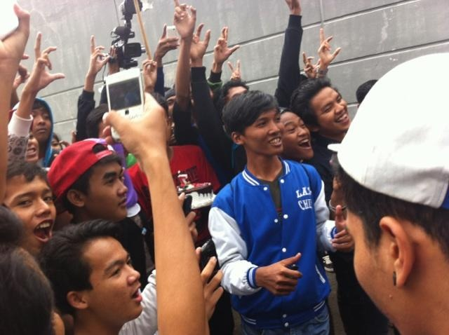 Kejutan dari LF pas #7thLastChild setelah manggung di Studio Indosiar