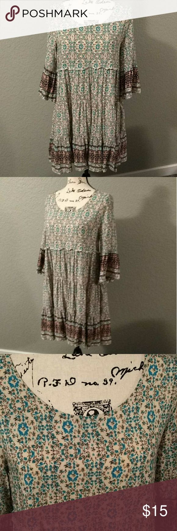 Chic Boho Dress NWOT Very cute with your favorite ankle boots or brown sandels! Dresses Midi